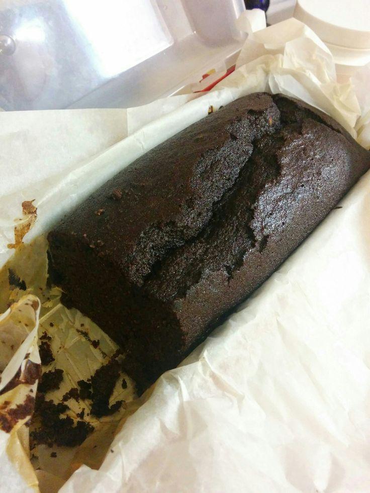 עוגת שוקולד פליאו - עוגת שוקולד פליאו מתכון של ליאור מור המקסימה: כוס קמח שקדים כוס וחצי קמח קוקוס (טחנתי קוקוס במטחנת מולינקס לקמח, מדדתי כוס וחצי טחון) כוס אבקת קקאו (השתמשתי בחצי כוס קקאו נא וחצ...