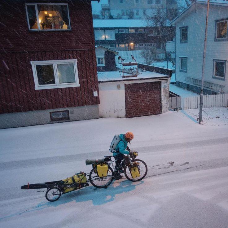 Lofoten på ski og sykkel ser fantastisk ut i ny film - Visit Norway