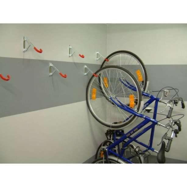 17 Crochet Pour Suspendre Velo Designs De Chambre Designs De Salle A Mang En 2020 Rangement De Velos Dans Un Garage Rangement Velo Garage Appartement Local A Velos