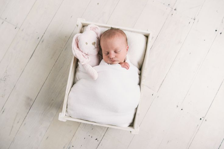 Baby photos and family portraiture by Anna Munro Photography