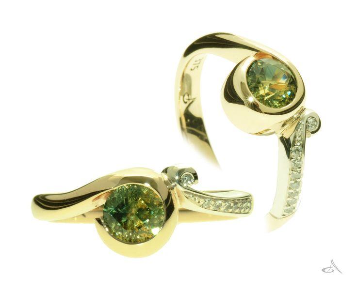 Gorgeous sapphire and diamond ring, swirling organic design