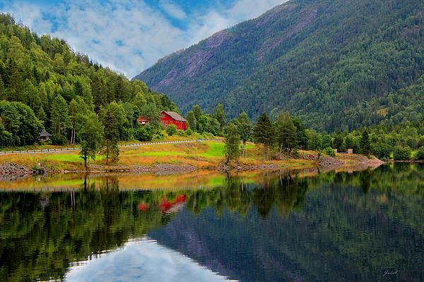 The Lake House Norway - Photography by Julia Fine Art