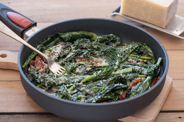 kale 'cabonara' this is so tasty and simple! http://thestonesoup.com/blog/2014/09/my-3-worst-cooking-habits/