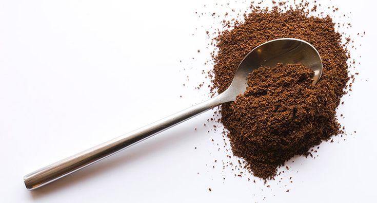 Receta de exfoliante con café para reducir la apariencia de celulitis