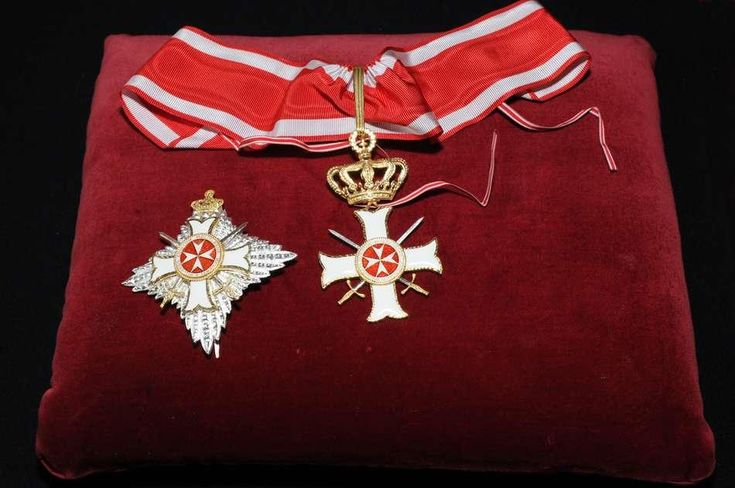 Breast Star and Cross with Swords of a Grand Officer of the Order pro Merito Melitensi (Military Class). #OrderofMalta #SMOM #proMeritoMelitensi