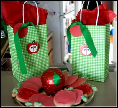 back to school apple theme: Party Favors Bags