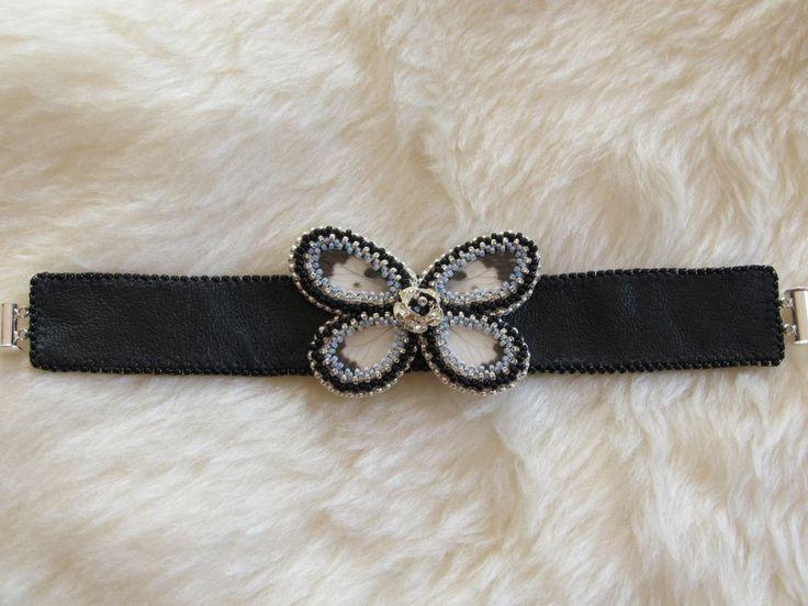 Leren armband met echte vlindervleugels van Lievekesieraden
