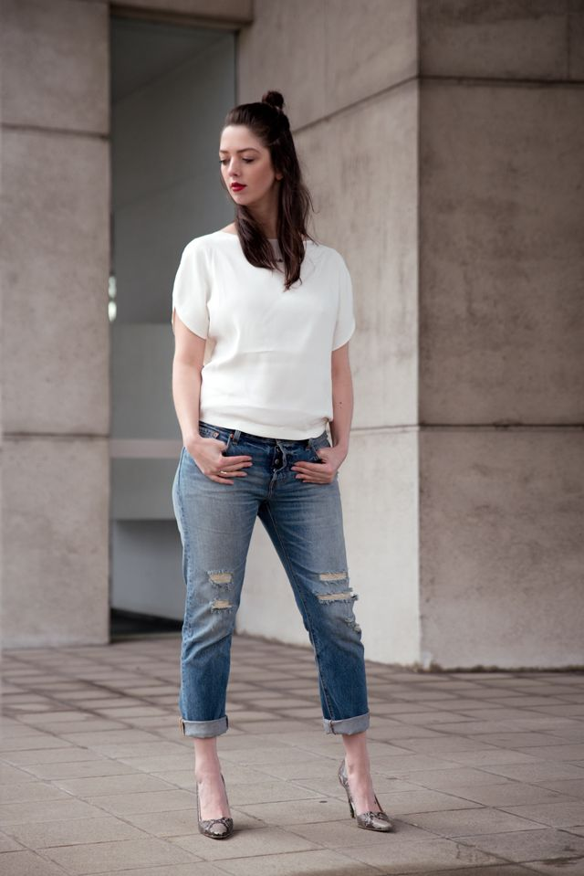 Outfit with Levis\u0027 501 CT jeans, white minimal Magdalena top, Fred de la