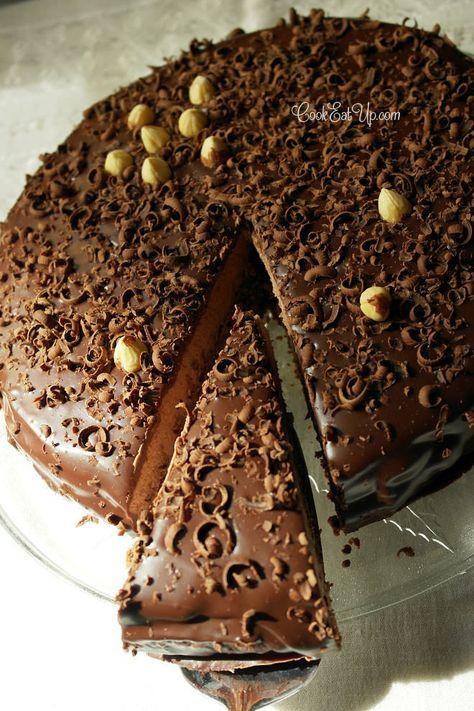 Τούρτα σοκολάτα με φουντούκια, ένας λατρεμένος συνδυασμός! Εξαιρετικά απολαυστική!