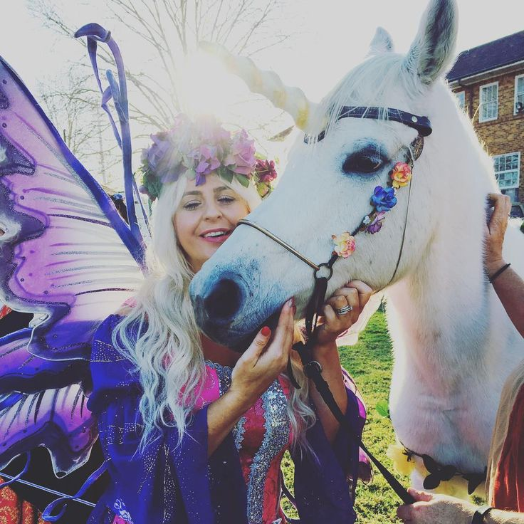 True Love. ✨#missfairy#winterfestmedievalfestival#medievalfair#medievalfairy#sydney#unicorn#wings#magic#parramatta#medieval#unicornlover#rainbows#magic#fairies#thefairylifechoseme