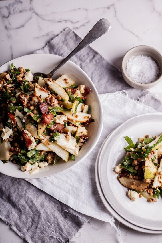 Lentil salad with pear, gorgonzola and bacon