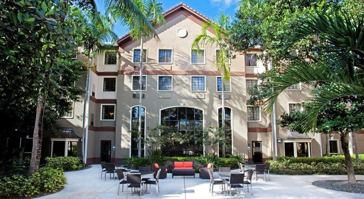 Staybridge Suites Ft. Lauderdale-Plantation Plantation Providing free high-speed internet access and on-site grilling facilities, this all-suite property is 4 minutes' drive from Plantation Central Park and 19 minutes' drive from Sun Life Stadium.  The Staybridge Suites Ft.