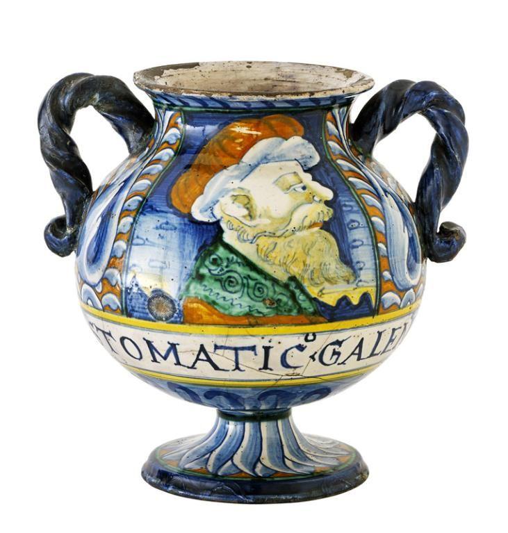 Vase de pharmacie (vaso da farmacia) pour cérat stomachique de Galien, Castelli d'Abruzzo, vers 1550-1560. MAD 1950.1. Don Gillet, 1960. © Musée des Arts décoratifs de Lyon, Pierre Verrier