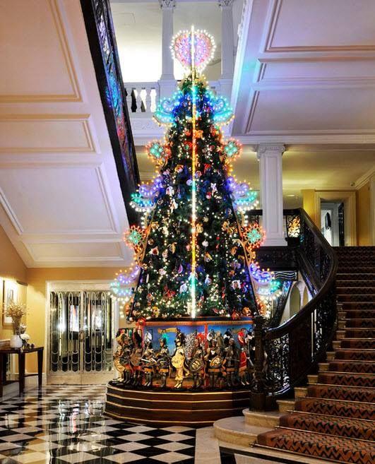 Dolce Gabbana Christmas Tree At Claridge 39 S London