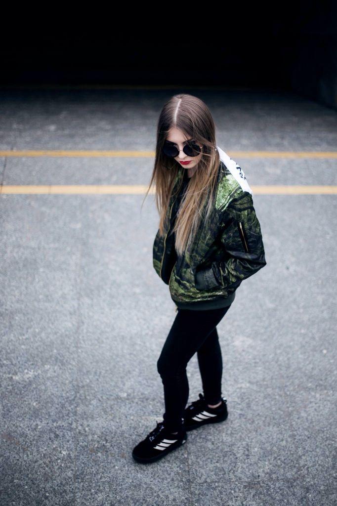 UrbanFlavours BATB bomber & Lange crop top shirt. Model Kamila ig @amilaak Photo by: https://www.facebook.com/DarekDrobiazgPhotography?fref=ts