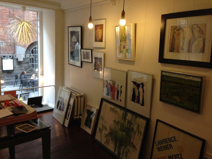 C9 ART TO GO Gallery Interior view