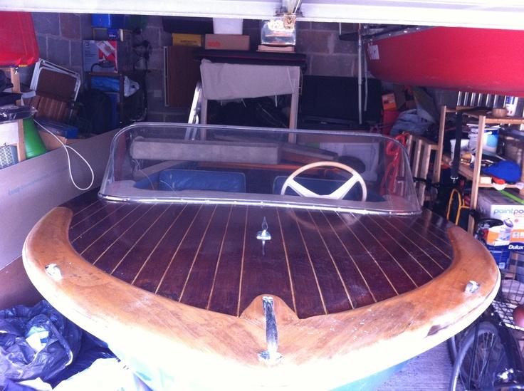 1964 viscount deluxe wooden speedboat by Jack Broom