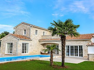 Villa Carolina Neubau Porec-Baderna, Meerblick, privater Pool, 1000m2 Grundstück   Ferienhaus in Istrien von @homeaway! #vacation #rental #travel #homeaway