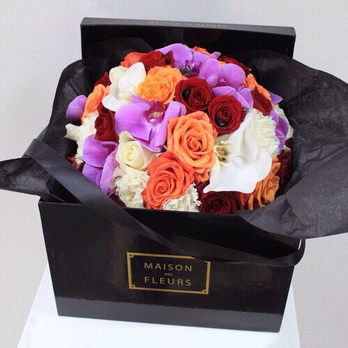 Bouquet of flowers boxed