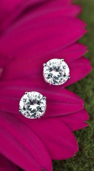 Simply gorgeous.  18K White Gold Round Diamond Stud Earrings via @lovelyclusters. #earrings #diamondstuds