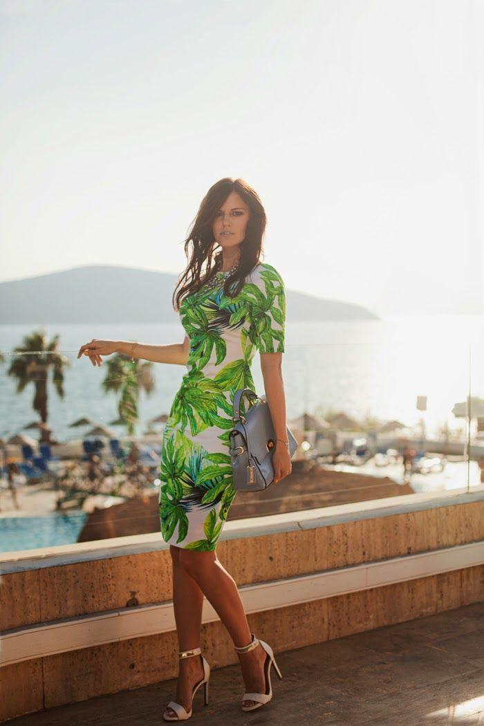Tropical dress via @iclothing #dress #streetstyle #iclothing #style #print #fashionblogger @fashion #tbdress