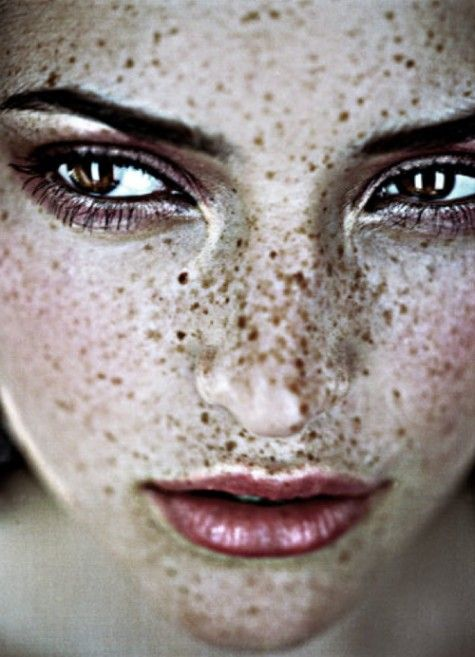 a girl without freckles is like a night without stars <3