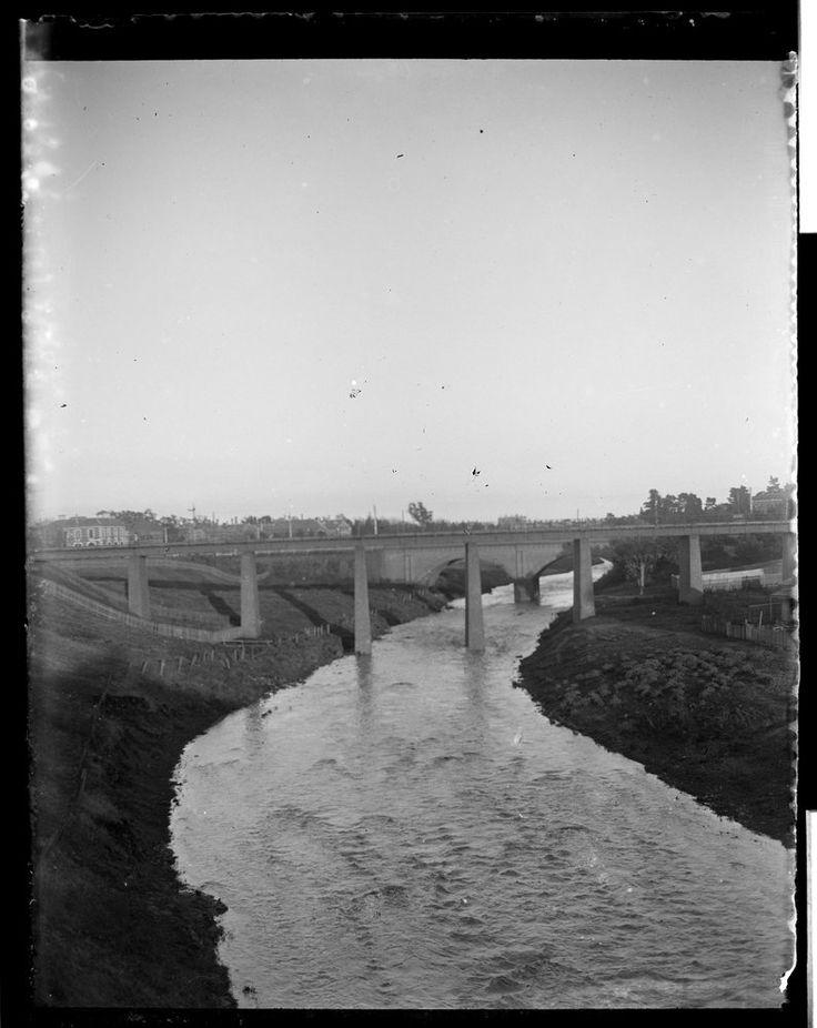 Merri Creek railway bridge Clifton Hill