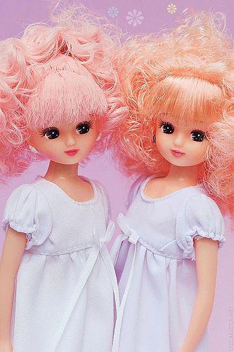 Pastel girls takara licca dolls with pink hairs - love it :)