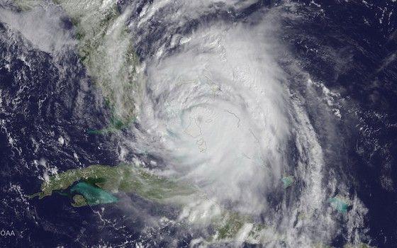 Furacão Matthew fotografado por satélite  (Foto: Noaa)