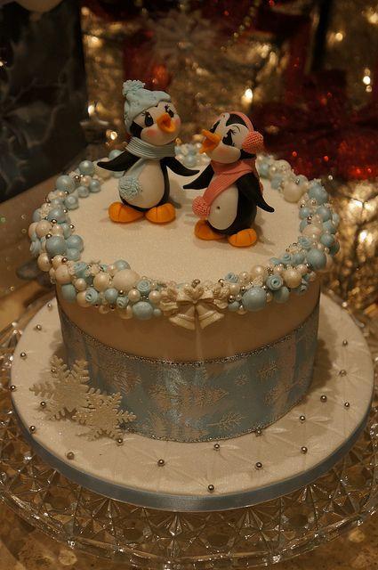 Penguin Christmas cake - love these little guys!
