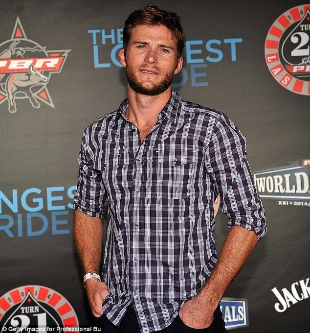 The Longest Ride's Scott Eastwood 'splits with model Brittany ...