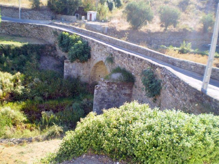 Puente Medieval en Miranda do Douro.