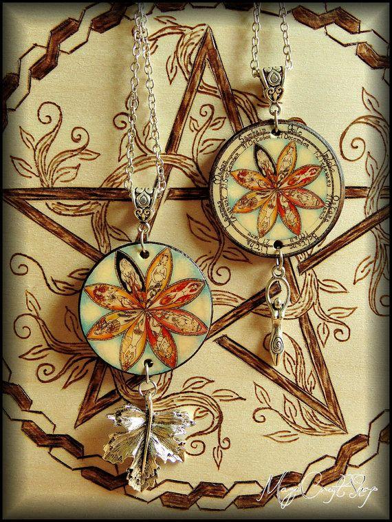 Medaglione con RUOTA DELL'ANNO realizzato su base di magicraftshop