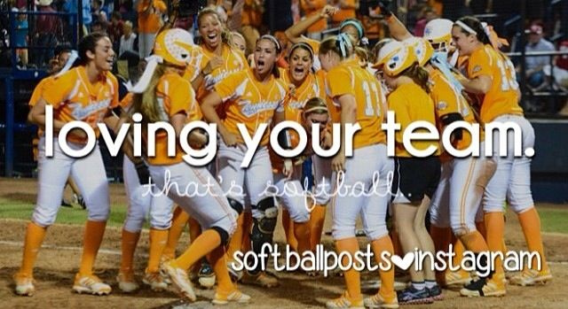 Ivy and Ellen Renfroe are in this picture of the UT Softball team!!!