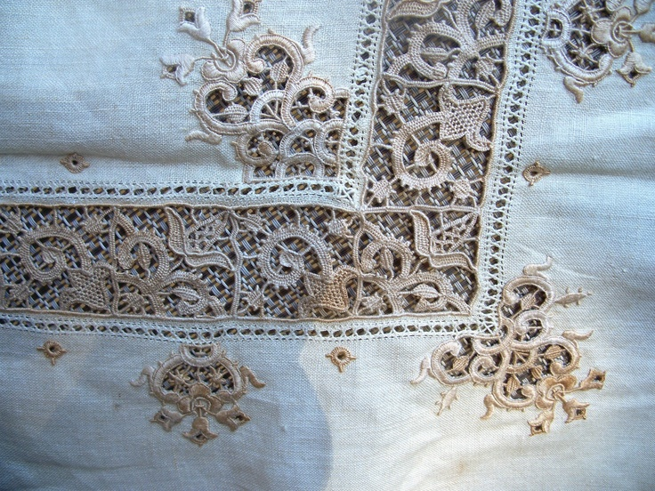 """Vintage Linen Tea Cloth Embroidery Bobbin Lace Needle Lace 36"""": embroidery, drawnwork, bobbin lace and needle lace. Beautifully done by hand."""
