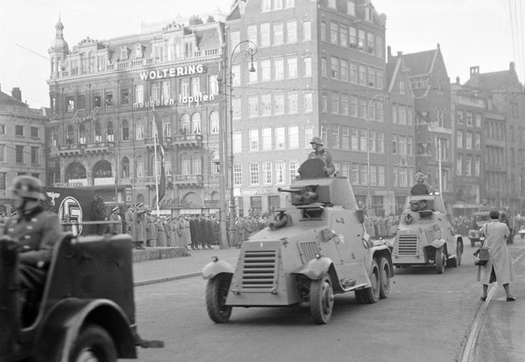 2.10.1941 - 61 years ago. Parade of Ordnungs-polizei at the Dam after a speech of Seyss-Inquart. #worldwar2 #Amsterdam