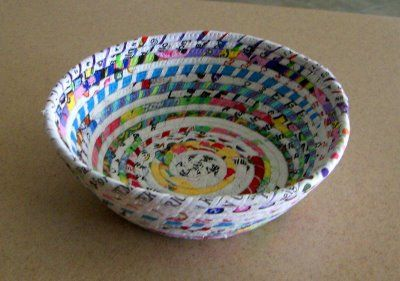 Good idea for all those selvages I've been hoarding.  Selvage Blog: selvage bowl