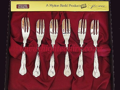Grosvenor Kings Silver Cake Forks for hire. over 250 to choose from for hire