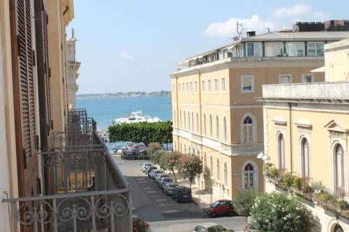 Hotel Gran Bretagna Siracusa Hotel Gran Bretagna offers traditionally furnished accommodation in Ortigia, Siracusa's historical centre. The Porto Grande harbour, with its tree-lined promenade, is 100 metres away.