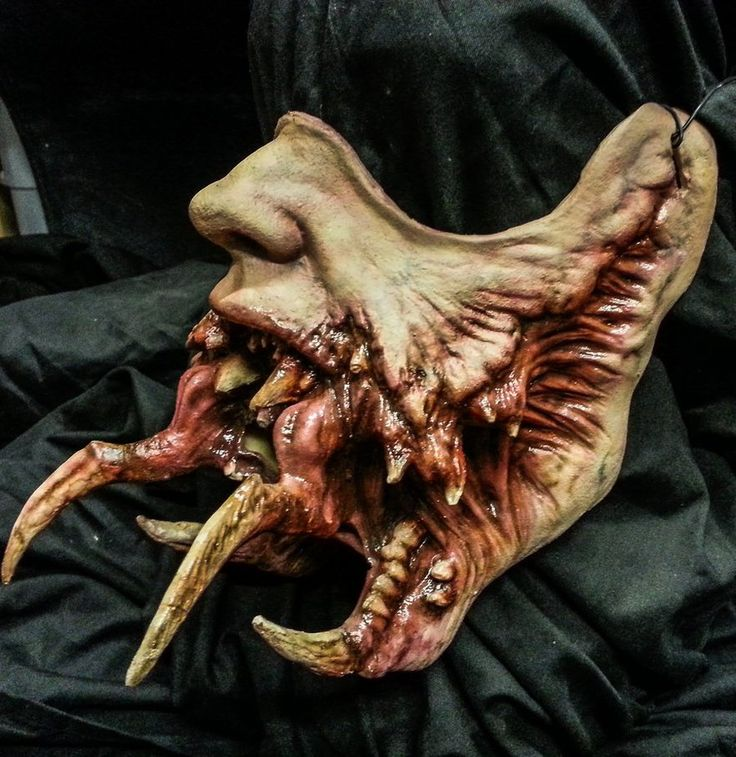 Latex Necromorph Mask by XenoEngine