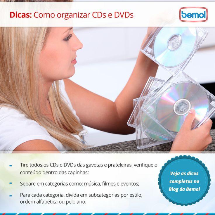 Para encontrar com facilidade o CD que adora ou o DVD que está perdido em outras caixas é necessário organização. Pensando nisso, separamos para você dicas de como organizar CDs e DVDs para você encontrá-los de forma prática.  Saiba mais em nosso blog: http://blog.bemol.com.br/blog/2014/03/dicas-de-como-organizar-cds-e-dvds/