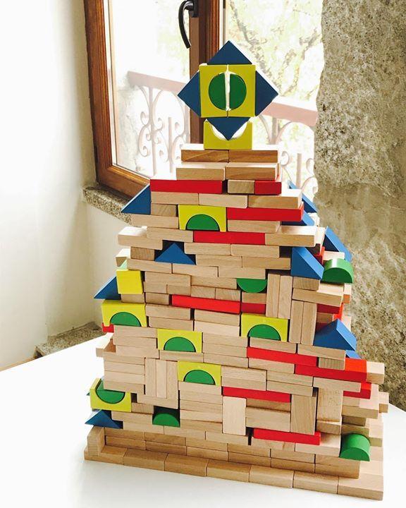 the magikbee Christmas tree   #blocky