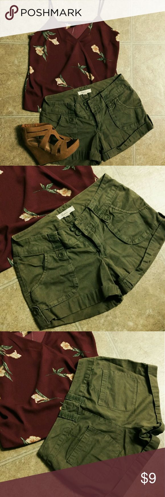 Olive Green Cargo Shorts Gently worn & in good condition :) Forever 21 Shorts Cargos