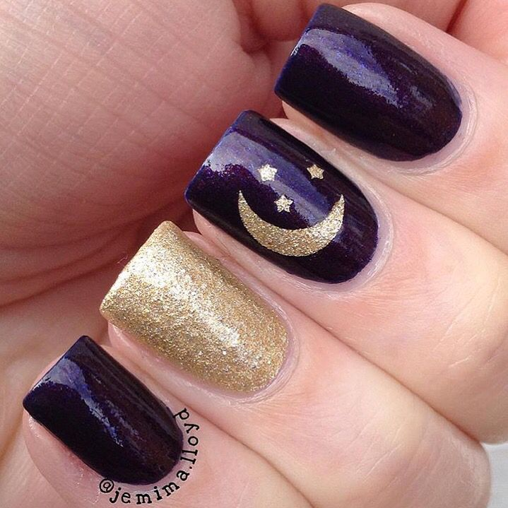 Evening sky mani by jemima.lloyd(IG).  Jemima is using our Moon and Stars Nail Decals found only at: snailvinyls.com