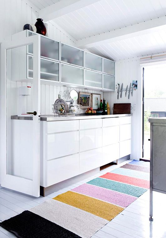 white kitchen + colorful rug / line klein