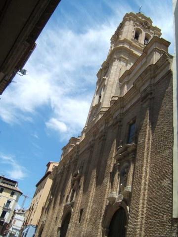 Basílica de San Lorenzo en Huesca. Patrón de la ciudad. Frente a ella en la plaza del mismo nombre bailan en su honor los Danzantes de Huesca el día 10 de Agosto.