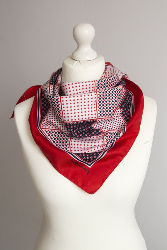 SCARFELIUM ///  Square vintage scarf, retro scarf, polyester scarf, fabric women scarf shawl  Size: 76cm / 30 Fabric: polyester  Good condition Small signs of use