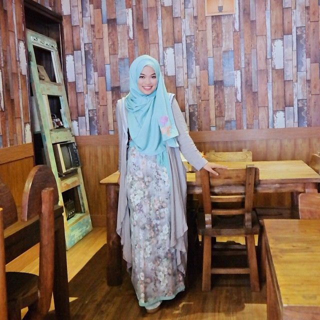 """When grey meets mint green  Shawl, dress, and cardigan by @gdas_by_ghaida (coming soon)"""
