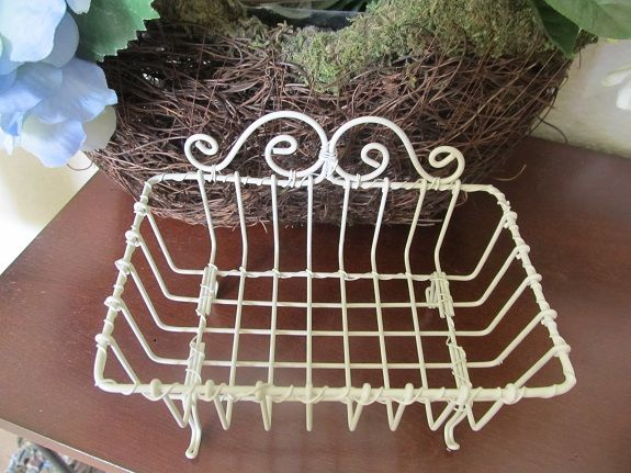 Shabby Chic White Wire Soap Dish...  Display Or Use For Your Beautiful Soaps, Car Keys, Cell Phone, Stash For Wrapped Candies, Etc.