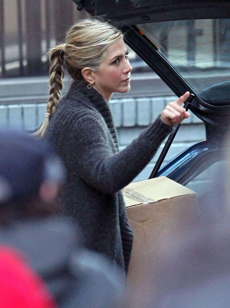 Jennifer Aniston - Jennifer Aniston On The Set Of 'Wanderlust'
